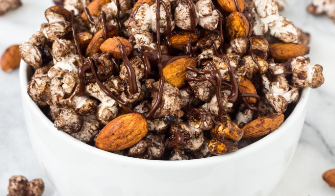 Spicy-Chocolate-Popcorn-Snack-Mix-3-683x1024
